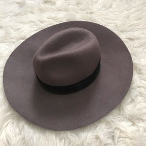Forever 21 Accessories - Gray Sun Hat